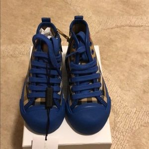 Burberry high tops size 24